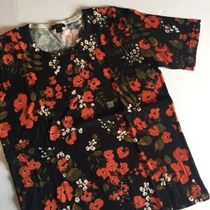 Ann Taylor • Floral Sweater Tee